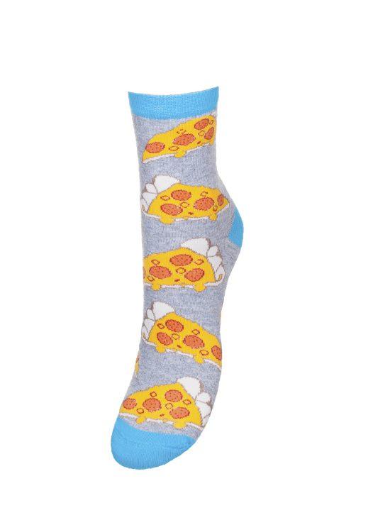 Kolorowe skarpetki damskie w kawałki pizzy na szarym tle
