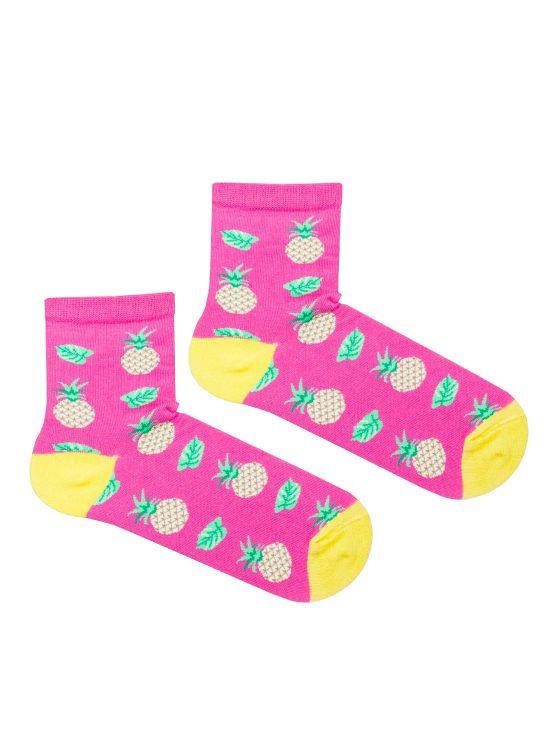 Skarpetki damskie w ananasy na różowym tle