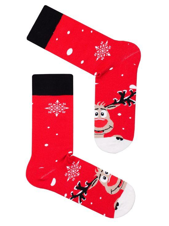 Skarpetki świąteczne w renifery na czerwonym tle z czarnymi wykończeniami