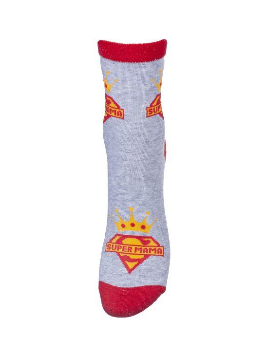 Kolorowe skarpetki damskie super mam,logo super mamy z koroną na górze, z czerwonymi wkończeniami i szarym jednolitym tłem