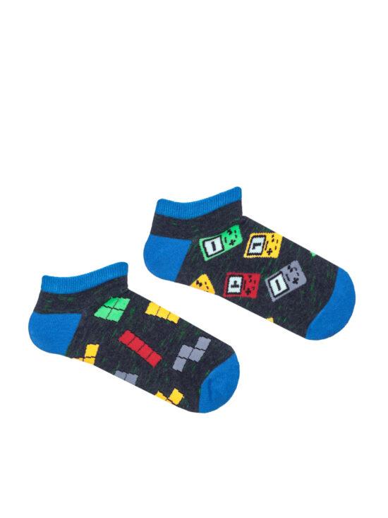 Stopki dziecięce tetris na ciemnoszarym tle z niebieskim wykończeniem