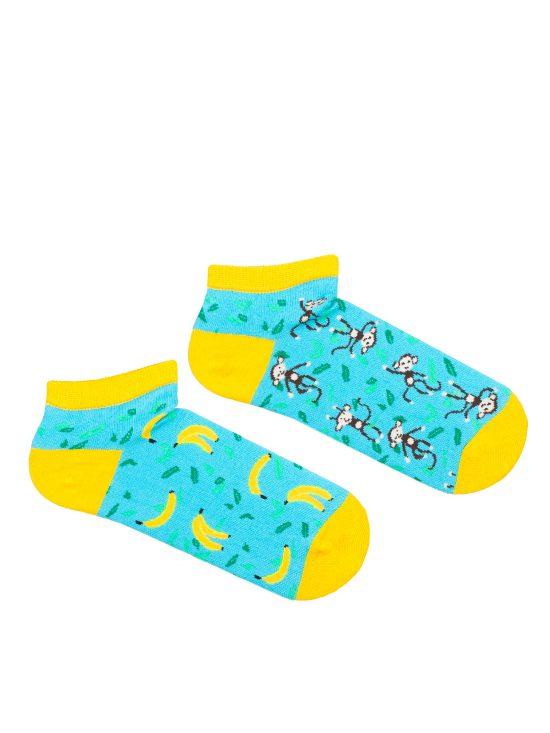 Kolorowe stopki damskie w kolorze turkusowym, żółtym wykończeniem, dwie różne na jednej banany a na drugiej małpy