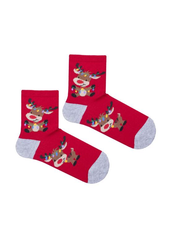 Kolorowe skarpetki dziecięce czerwone z szarym wykończeniem , z reniferem mającym na rogach lampki od choinki