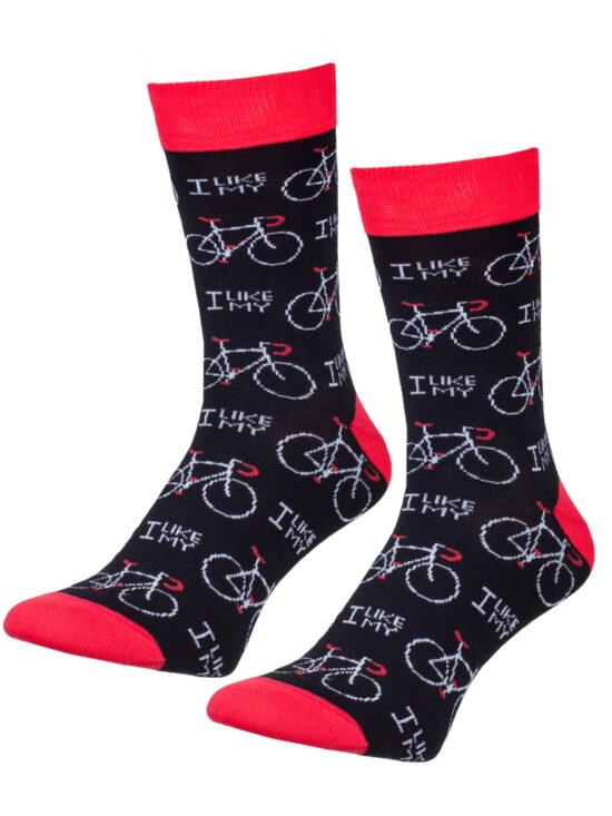 """Kolorowe skarpetki męskie, w rowery z napisem """"I like my"""" na czarnej podstawie i czerwonym wykończeniem"""